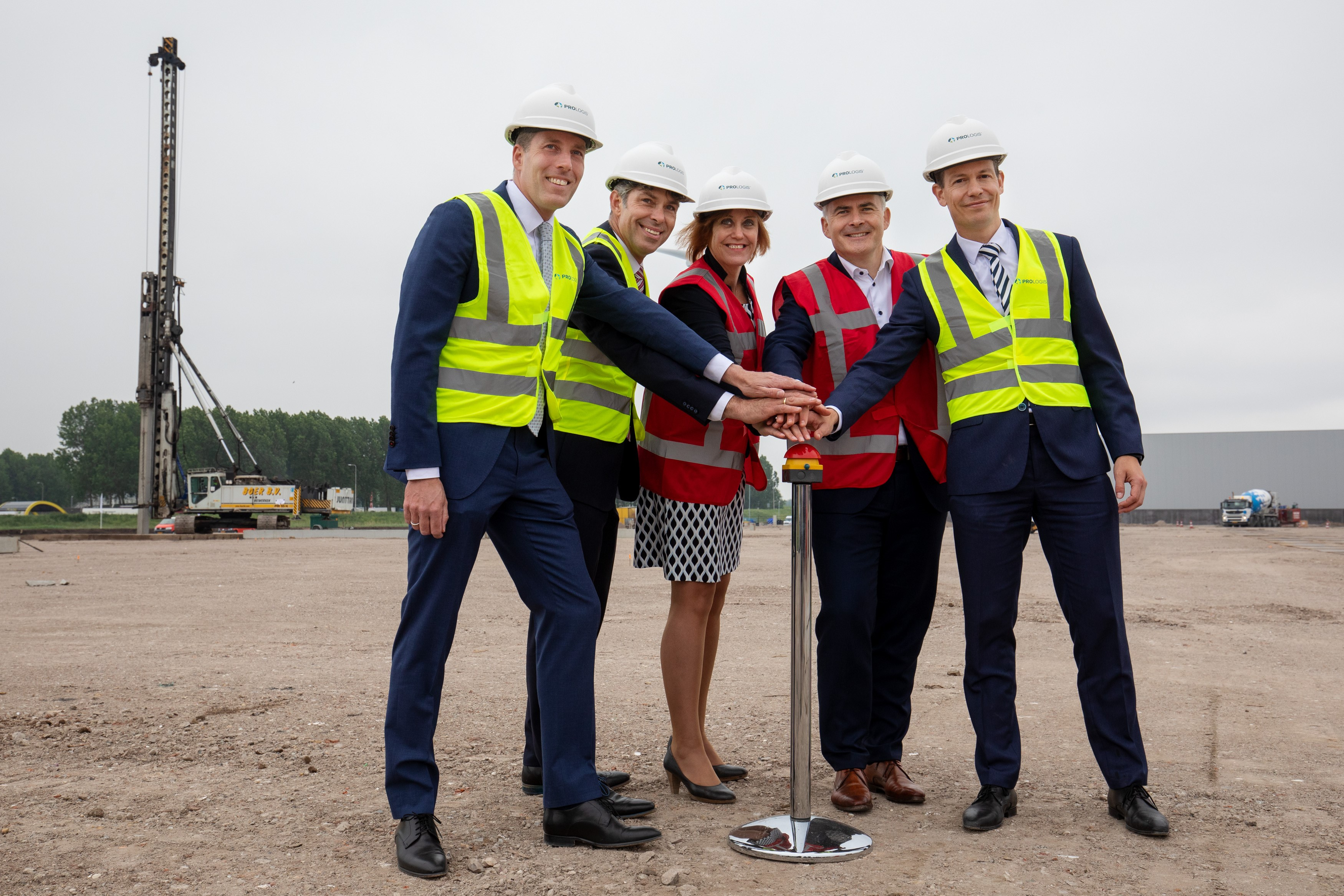Prologis & HEMA celebrate the start of construction of a new warehouse